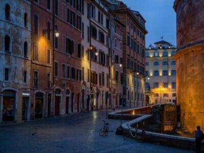 Roma deserta. Foto di djedj da Pixabay
